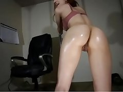 whittle shakes her oily ass on cam.. wants you to fuck her,,,www.hotsexoncam.com