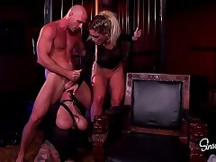 Sex Monsters - Kissa Sins, Johnny Sins and Lily Lane Threesome