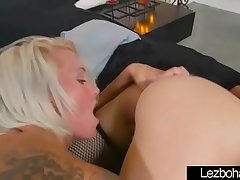 Lovely Sex Scene Between Teen Lesbo Girls (Pressley Carter &amp_ Blake Carter) mov-25