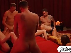 Group of horny swingers enjoy nasty orgy